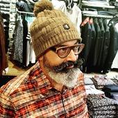 #chemiseacarreaux #bonnet #keepsmiling😊💕💜 #funny #italie #france #menstylefashion  . . @blanc_bonnet  @poggianti_1958  @seventyofficial  @showroom.sophie.tanguy  @bertheauxgrandspiedsofficiel